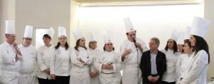 32-Gruppo-team-e-il-segretario-Rosario-Seidita1-300x118